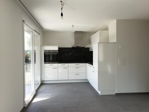 Küche und Terrassenzugang