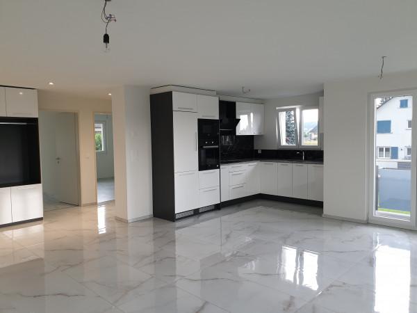 Wohnbereich, Küche & Korridor (spiegelverkehrt)